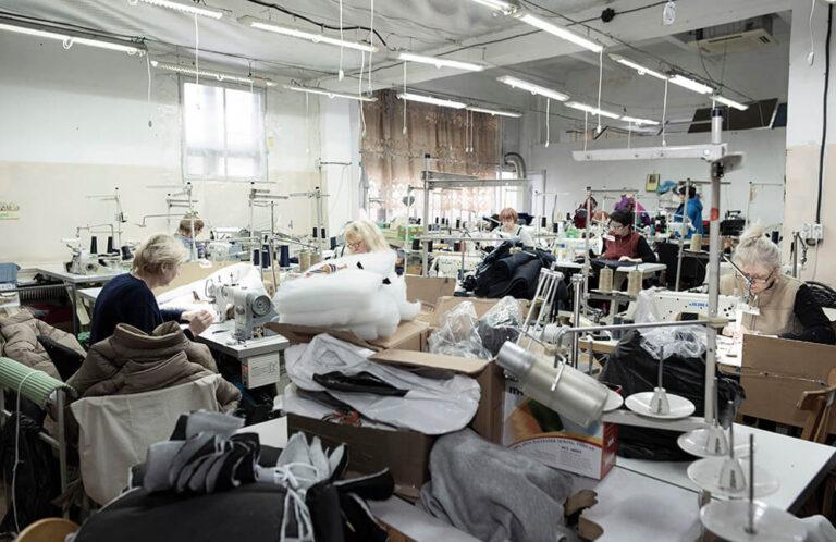 krojačice u fabrici tekstilne industrije